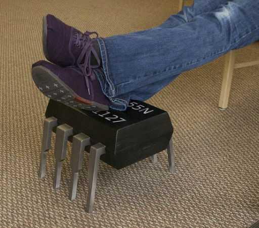 Скамеечка для ног - Footstool